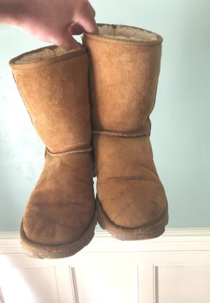 Used Size 7 Uggs for Sale in Baltimore, MD