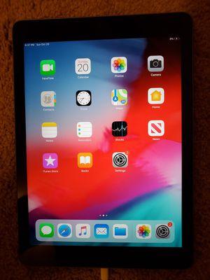 Apple iPad 6th Gen 32GB Space Gray Wi-Fi for Sale in Chesapeake, VA
