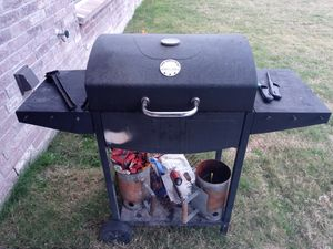 BBQ grill for Sale in Oak Point, TX