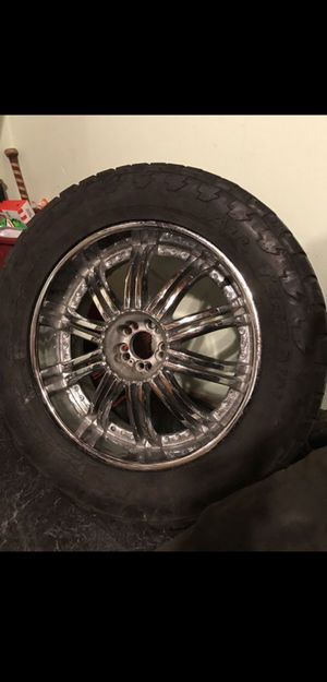 22s on LT 325/50-22 for Sale in Columbus, OH