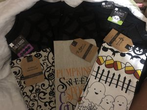 New Halloween table runner, placemats, kitchen towels for Sale in Severn, MD