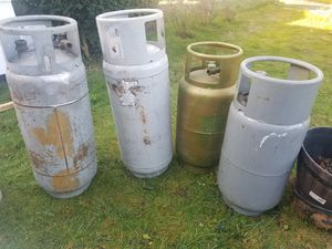 All 4 of forklifts propane tanks 10 gal full for Sale in Tacoma, WA