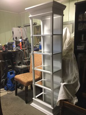 White open shelf display case with light for Sale in Lexington, NC