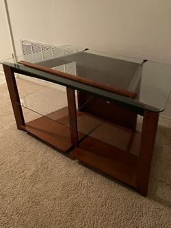 """STYLISH TV STAND (48""""W X 24""""D X 24""""H) for Sale in Corona,  CA"""