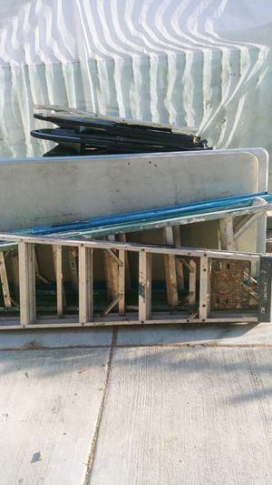 Alumniun ladder 6' for Sale in Los Angeles, CA
