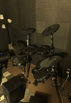 Alesis DR10 mkII e-drum set with Tama iron cobra double kick pedal and stool for Sale in Long Beach, CA