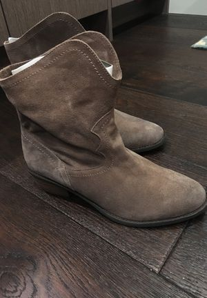 NEW Naughty Monkey Women's Havoc Boot (Taupe) for Sale in Seattle, WA