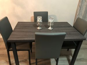 5Pc Gray Dining Table for Sale in Glendale, AZ