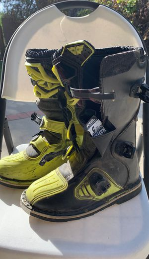 Kids Maverick Dirt Bike Boots size 5 for Sale in Claremont, CA