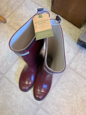 Gardening/rain boots for Sale in Los Angeles, CA