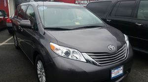 2014 toyota sienna XLE 8 PASSENGER for Sale in Manassas, VA