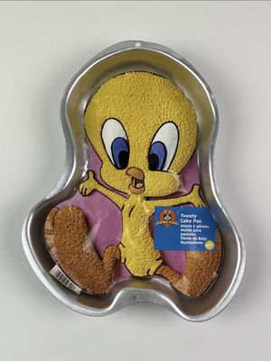 Wilton Looney Tunes Tweety Bird Cake Pan 3201 With Instructions Insert Arms Out for Sale in Tucson, AZ