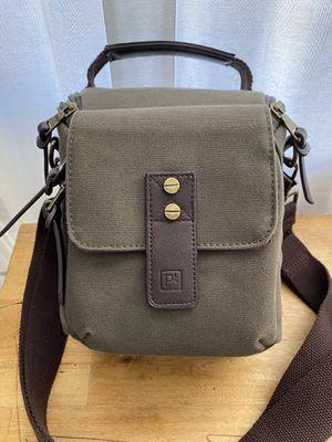 Vintage Messenger DSLR camera bag for Sale in Claremont, CA