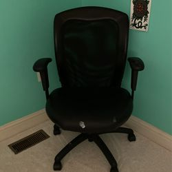 Desk Chair for Sale in Crofton, MD