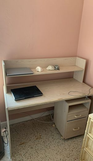 Functional desk! Needs a little love for Sale in Fort Lauderdale, FL