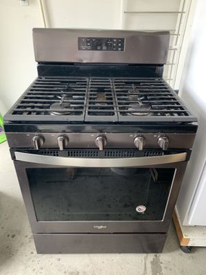 Whirlpool gas range oven for Sale in Albuquerque, NM