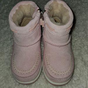 Ugg boots toddler 8 , light pink NEW for Sale in Scottsdale, AZ