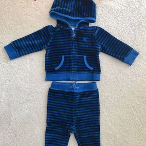 Burberry sweat suit/6 months for Sale in San Mateo, CA
