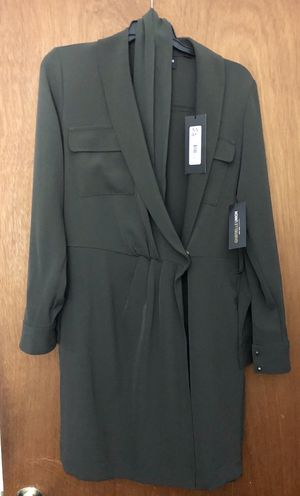 NWT Size Small New York & Company wrap dress for Sale in DARLINGTN HTS, VA