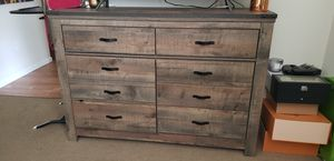 Dresser and nightstands for Sale in Chico, CA