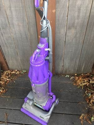 DYSON ROOTCYCLONE vacuum LNEW only 75 Firm for Sale in Glen Burnie, MD