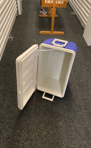 Igloo cooler for Sale in Rockville, MD