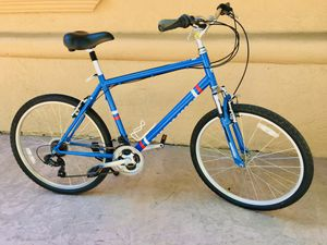 """Beautiful 2019 Mountain Bike . 20"""" frame. 24 speed. Spotless condition. for Sale in Fremont, CA"""