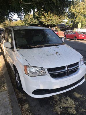 Dodge gran garavan 2012 for Sale in Hayward, CA