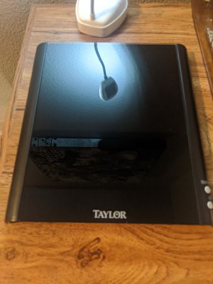 Taylor LED digital scale 11 pound capacity. LBS:OZ TO GRAMS for Sale in Portland, OR