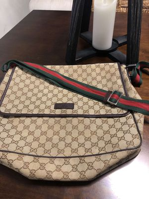 *AUTHENTIC* Gucci Crossbody Bag for Sale in Fresno, CA