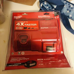 Milwaukee fast charger for 18 v and 12 volt for Sale in Yonkers, NY