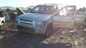 98Infiniti QX4 (4PARTS) for Sale in North Las Vegas, NV