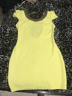 Yellow dress. Vestido amarillo. NEW !!! Size M for Sale in Miami, FL