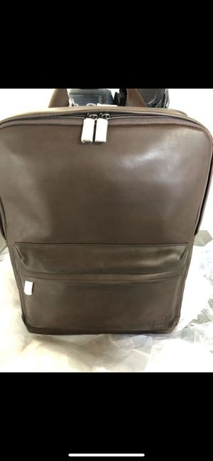 Brand new Brackley Knomo leather backpack. Laptop for Sale in Riverside, CA
