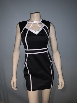 *MAKE OFFER* black and white dress Size: S/M for Sale in Cherry Hill, NJ