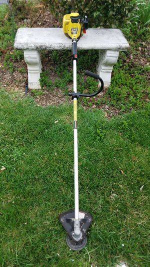 JOHN DEERE STRT SHAFT GAS WEED TRIMMER for Sale in Inwood, WV