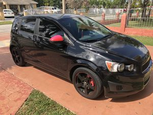 2012 Chevy sonic for Sale in Miami, FL