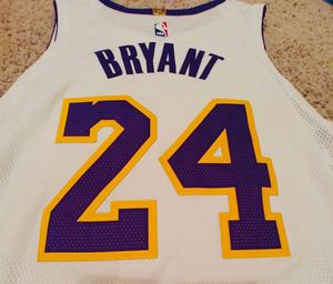 Kobe Bryant Lakers Jersey authentic game jersey stitch size XL for Sale in Loma Linda, CA