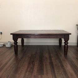 Brown Wooden Coffee Table for Sale in Dallas,  TX