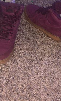 Nike Air Size 7 Purple for Sale in Nokesville,  VA