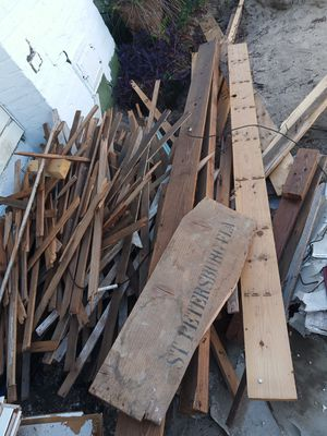 Lumber .Load of Free wood. All or none. Chicken coops, Halloween decorations for Sale in Port Richey, FL