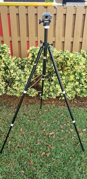 Star-D D-40 Heavy Pro Deluxe Tripod Camera Movie for Sale in West Palm Beach, FL