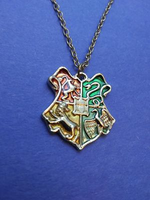 Hogwarts Coat of Arms Necklace for Sale in Grove City, OH