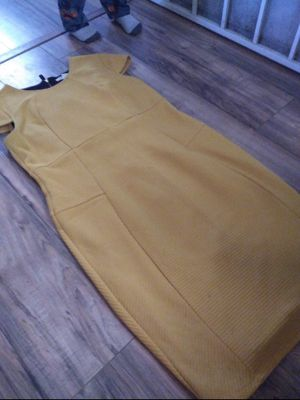 Size 16 golden yellow dress for Sale in Lancaster, CA