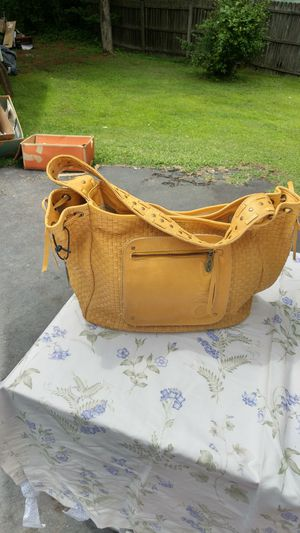 CAMILA ALVES SUPER SOFT LUXURIOS LEATHER BAG A STEAL FOR THIS PRICE for Sale in Fork Union, VA