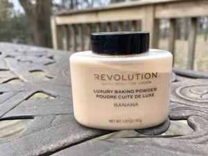 Revolution Beauty baking powder makeup for Sale in Elk River, MN