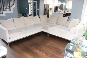 Z gallery couch Ventura Corner Sectional - 3 PC for Sale in Mableton, GA