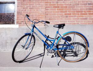 SCHWINN Vintage 1985 Women's Bike Collegiate - Excellent Condition for Sale in Denver, CO