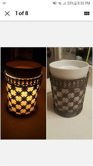 SCENTSY * Lantern * Wax Oil Warmer * White w/ Metal Cast for Sale in Houston, TX