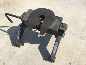 5th wheel tow hitch 15K for Sale in Jurupa Valley, CA